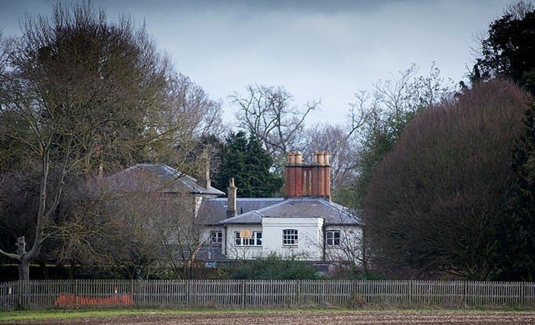 Меган Маркл сорвала переезд в новый дом из-за очередного каприза - фото 177552