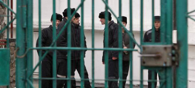 Боевики 'ЛНР' чуть не запытали до смерти заключённого-патриота (ВИДЕО) - фото 177948