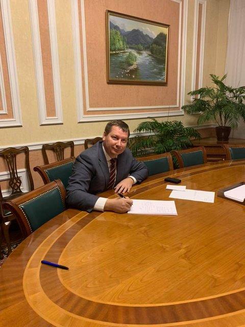 Глава Херсонщины подал в отставку - ФОТО - фото 178930