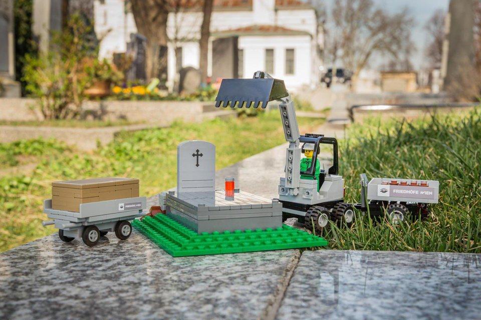 Похорони игрушки: Lego создала конструкторы с экскурсом в мир смерти - фото 179318