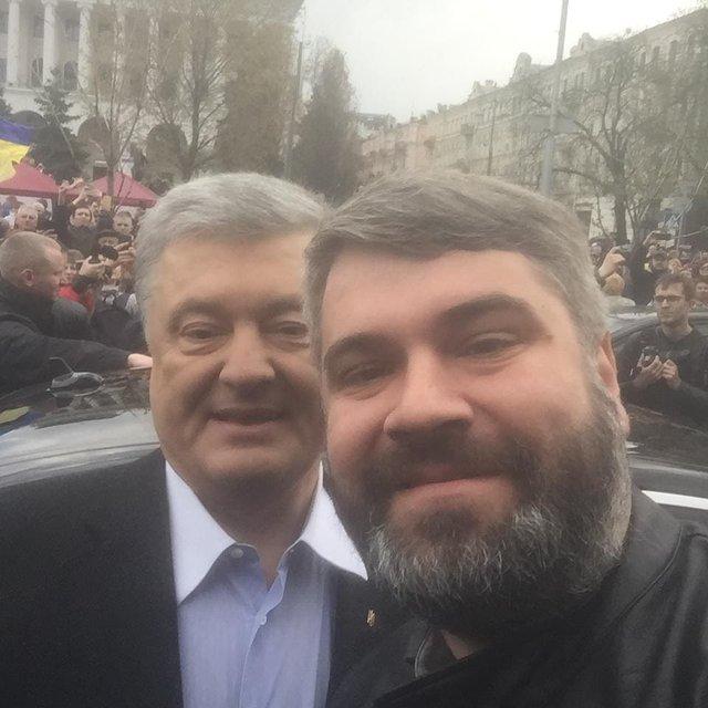 Как на стороне Порошенко на дебатах оказался блогер из Москвы (ФОТО) - фото 180080