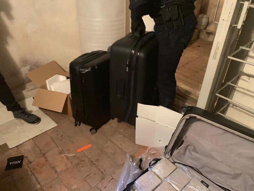 Где-то заплакал Кива: в Киеве задержали наркоторговцев с 300 кило героина (ФОТО) - фото 180091