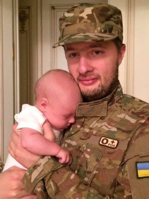 Сын Порошенко в АТО: невестка гаранта поведала 'правду' - фото 180138