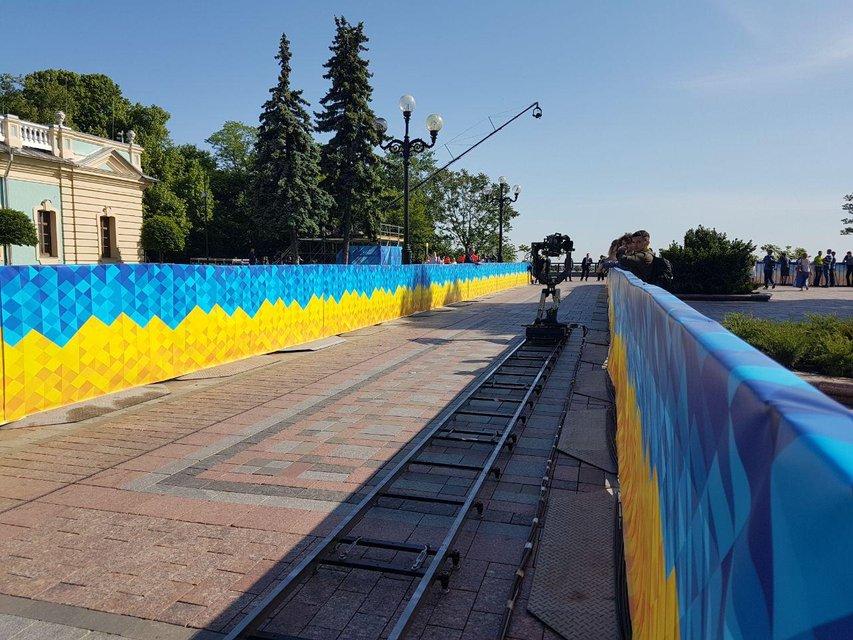 Присяга президента: украинский народ застыл в ожидании  - ФОТО - фото 181230