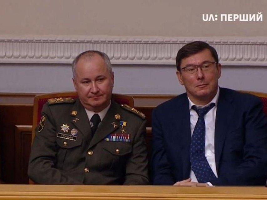 Министр обороны и глава СБУ уходят в отставку - фото 181273