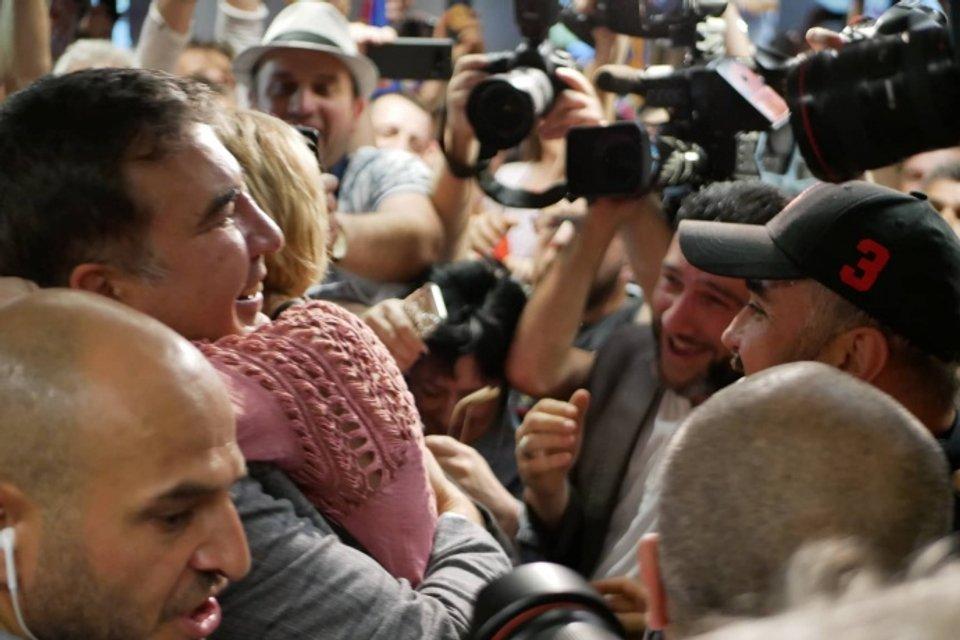Свершилось: Саакашвили вернулся в Украину - ФОТО, ВИДЕО - фото 181823