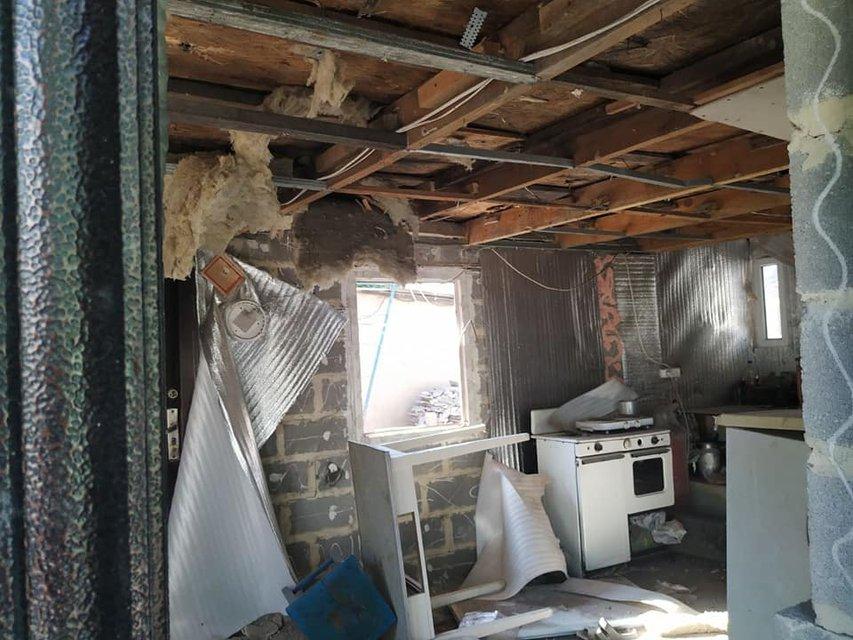 Оккупанты из запрещенных 'Гвоздик' обстреляли дома в Марьинке, много раненых (ФОТО) - фото 182740