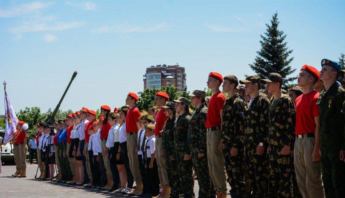 Православный джихад: в Донецке десятки детей-смертников присягнули на верность убийцам - фото 182786