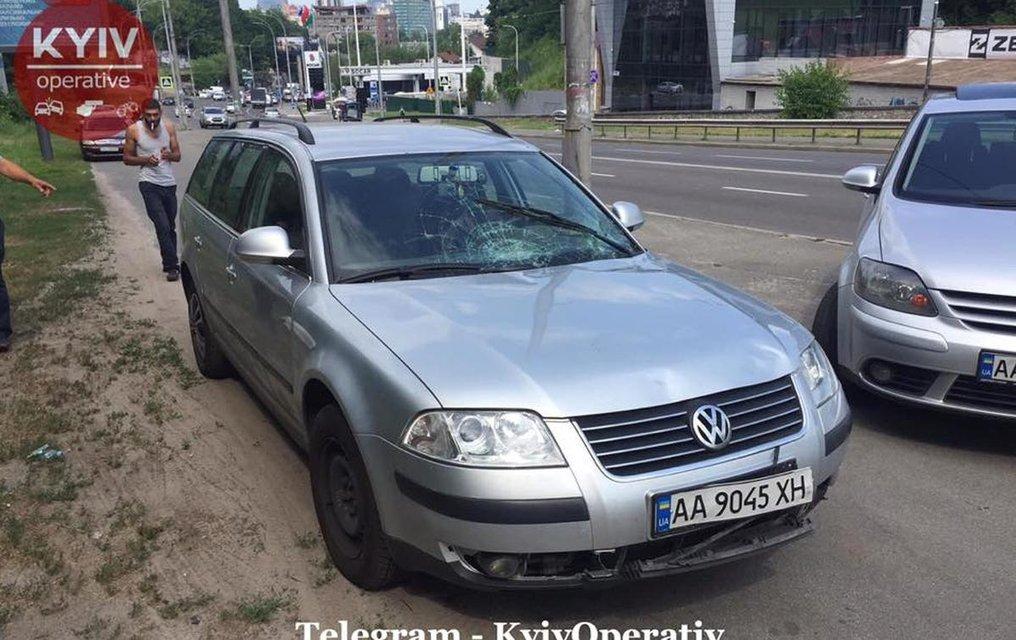 В Киеве неадекватный водила сбил мать с ребенком и уехал, его приняли свидетели (ФОТО) - фото 183059