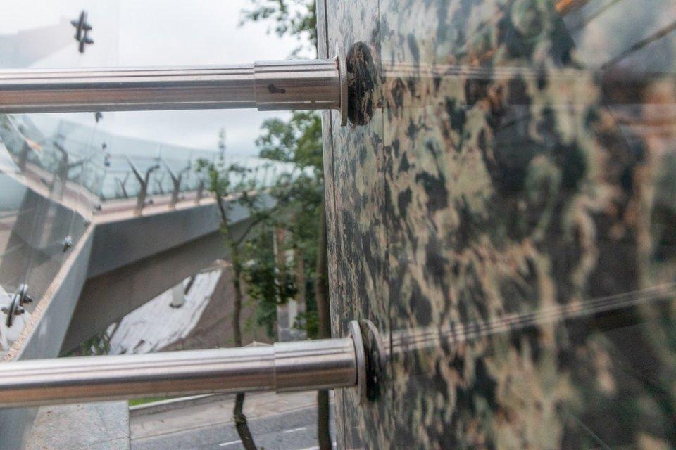 Мост Кличко дал трещину и движется на Троещину (ФОТО+ВИДЕО) - фото 184115