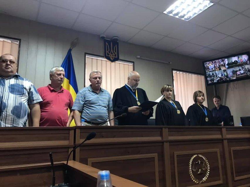 Суд выпустил из-под стражи обвиняемого в расстреле 48 активистов 'беркутовца' - фото 184343