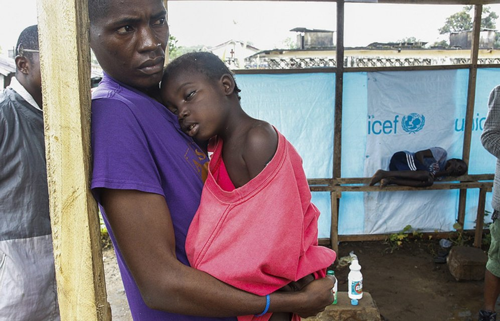 Вирус Эбола - стоит ли бояться украинцам этой опасной  заразы - фото 184540