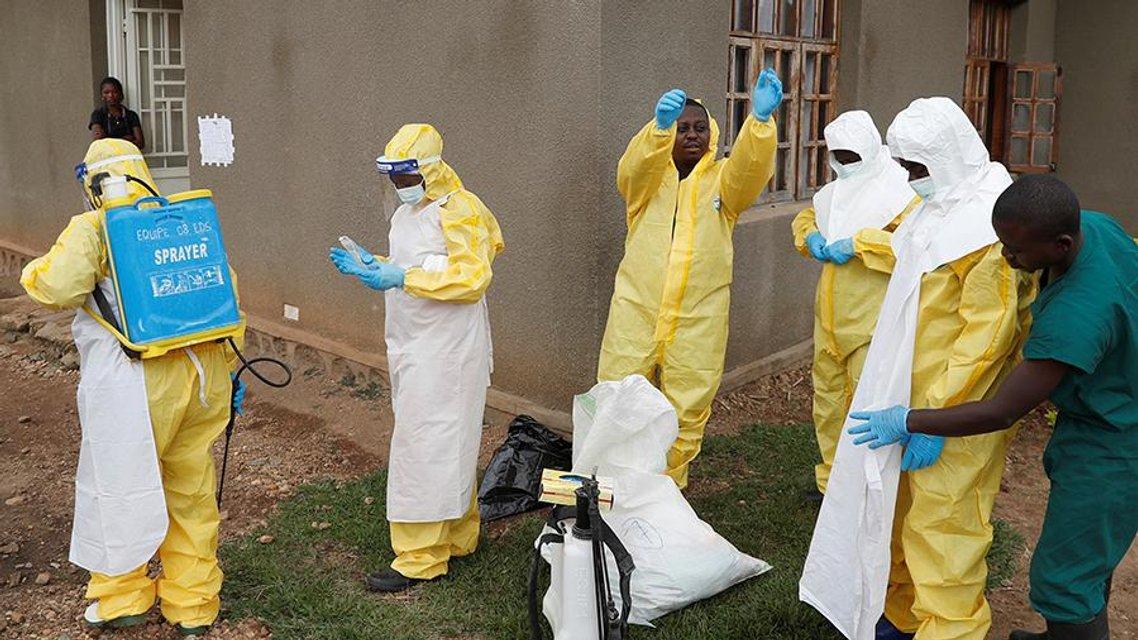 Вирус Эбола - стоит ли бояться украинцам этой опасной  заразы - фото 184544
