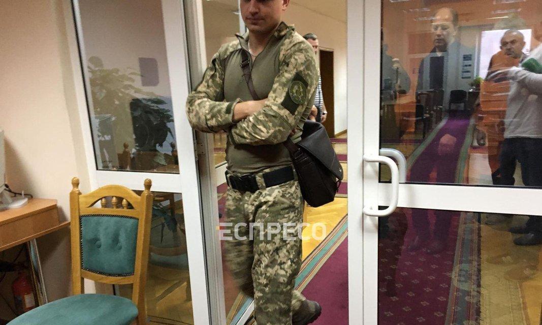 В Киеве 'заминировали' ЦИК, идет эвакуация - ФОТО - фото 184783