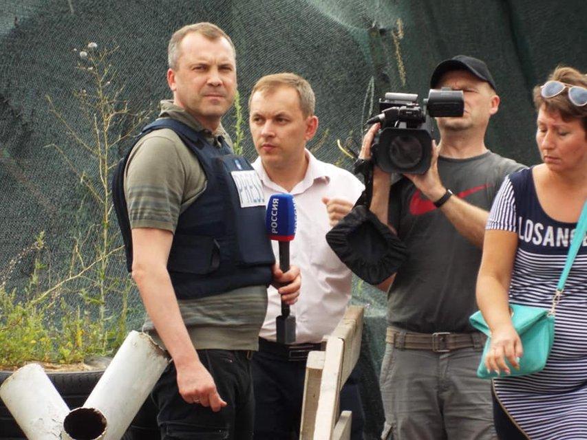 Российских пропагандистов и боевиков пустили на украинскую территорию в Станицу Луганскую - фото 184870