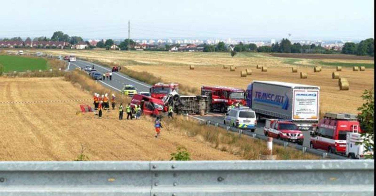 В Чехии в масштабное ДТП попал автобус с заробитчанами, есть погибшие (ФОТО) - фото 185668