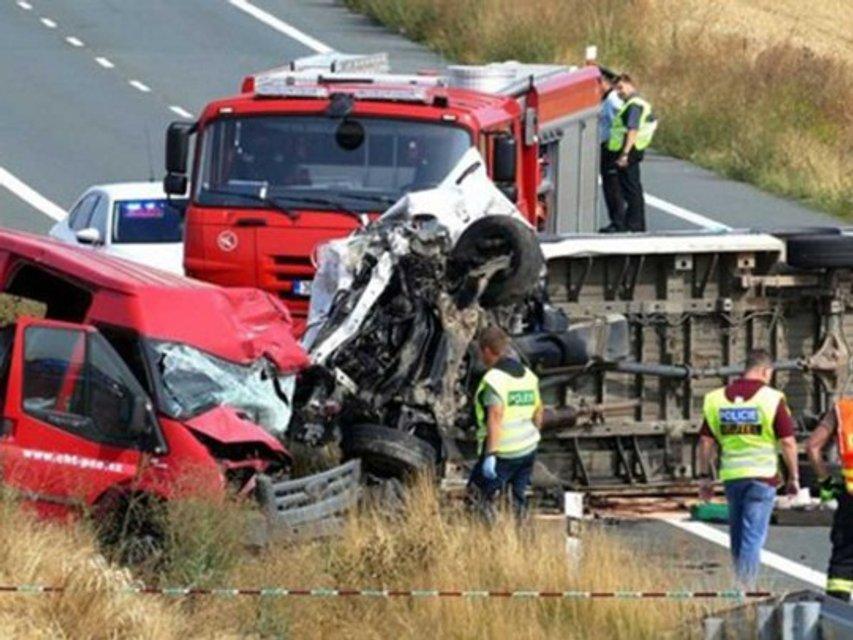 В Чехии в масштабное ДТП попал автобус с заробитчанами, есть погибшие (ФОТО) - фото 185669