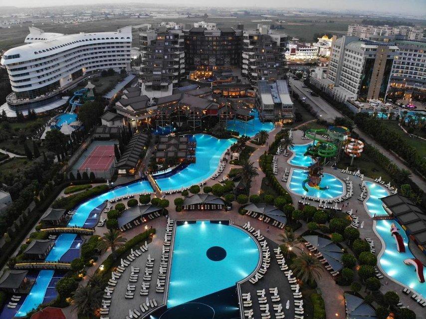 В турецком отеле отравились сотни отдыхающих, среди них - украинцы, есть жертвы - фото 186223