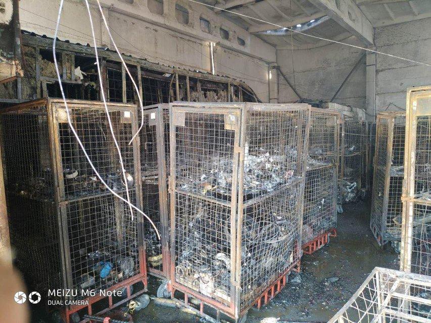 В Полтаве сгорел огромный склад 'Новой почты' (ФОТО+ВИДЕО) - фото 186386