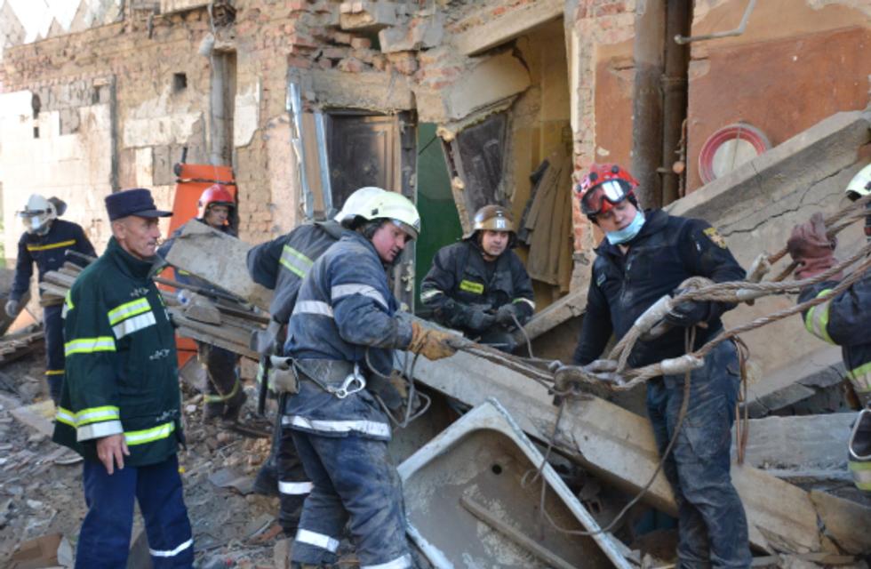 Все тела достали, спасать больше некого  - ГСЧС о Дрогобыче - фото 186732