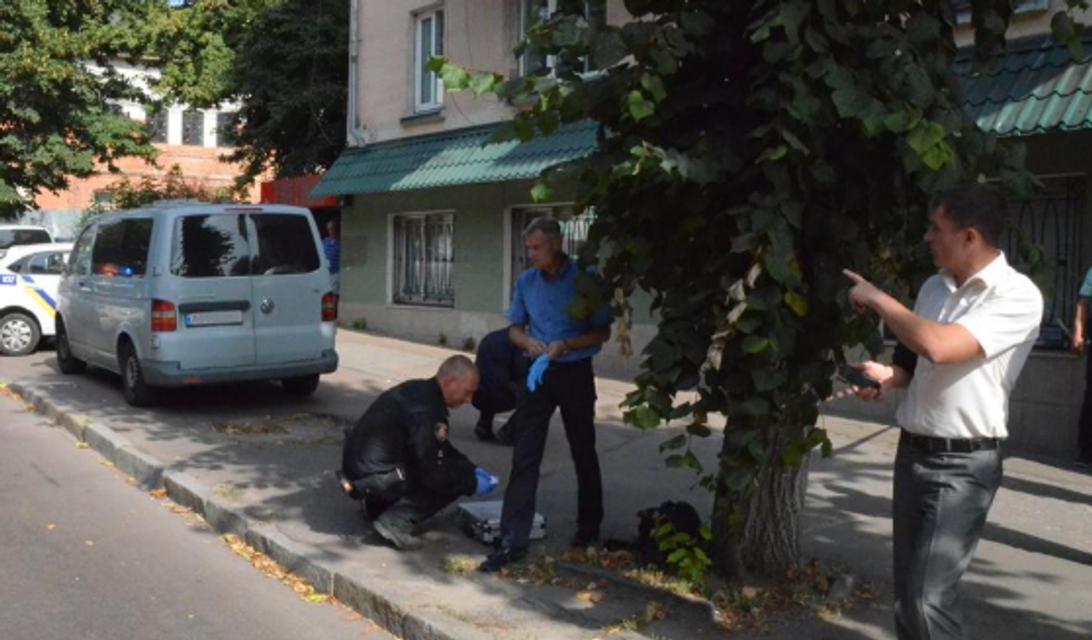 Полицейскому прострелили ногу в Житомире: объявлен план 'Сирена' - фото 187375