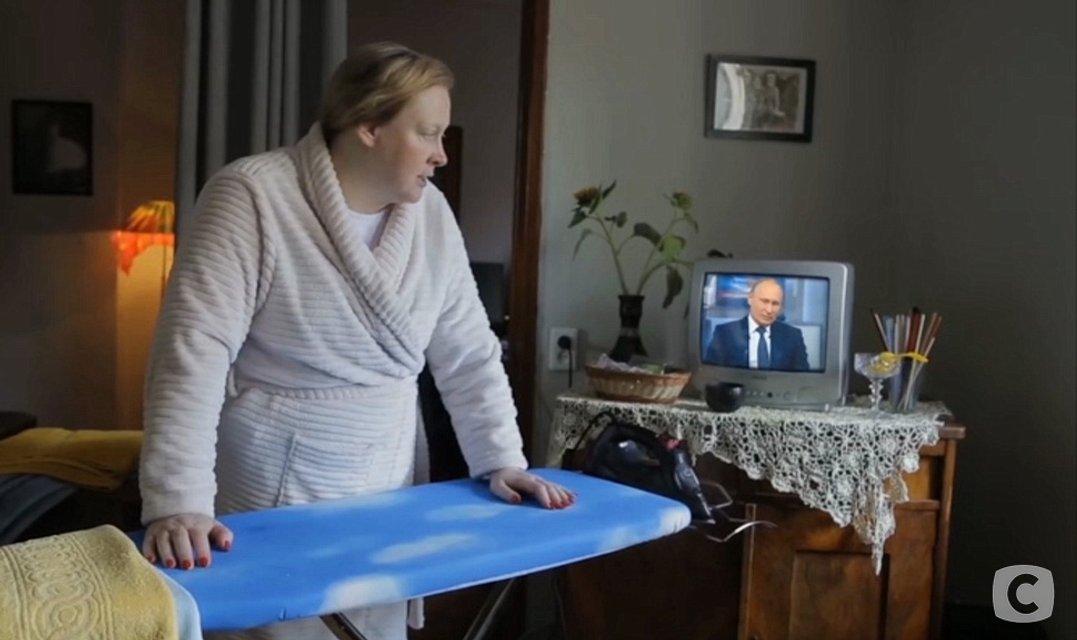 Русская звезда сериала 'Кріпосна': Я не верю Путину. Морда у него хитрая и самодовольная - фото 187703