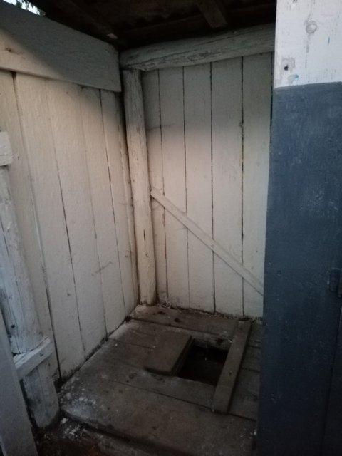 Школьный туалет чуть не погубил ребенка: 'Родители в шоке', учителя молчат - фото 187856