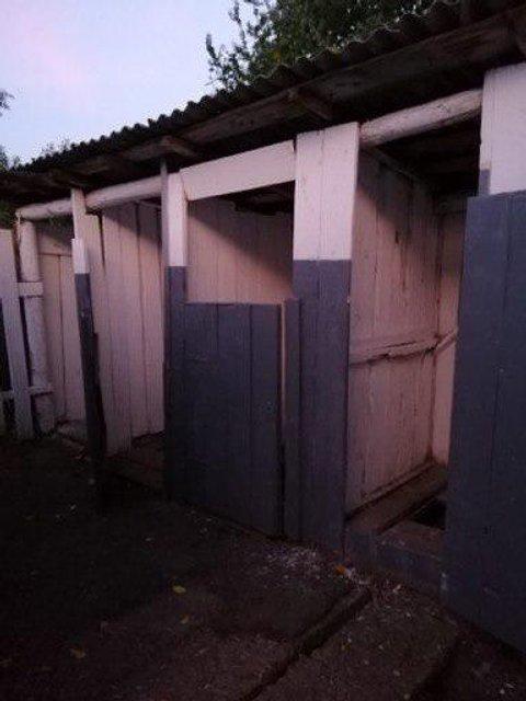 Школьный туалет чуть не погубил ребенка: 'Родители в шоке', учителя молчат - фото 187858
