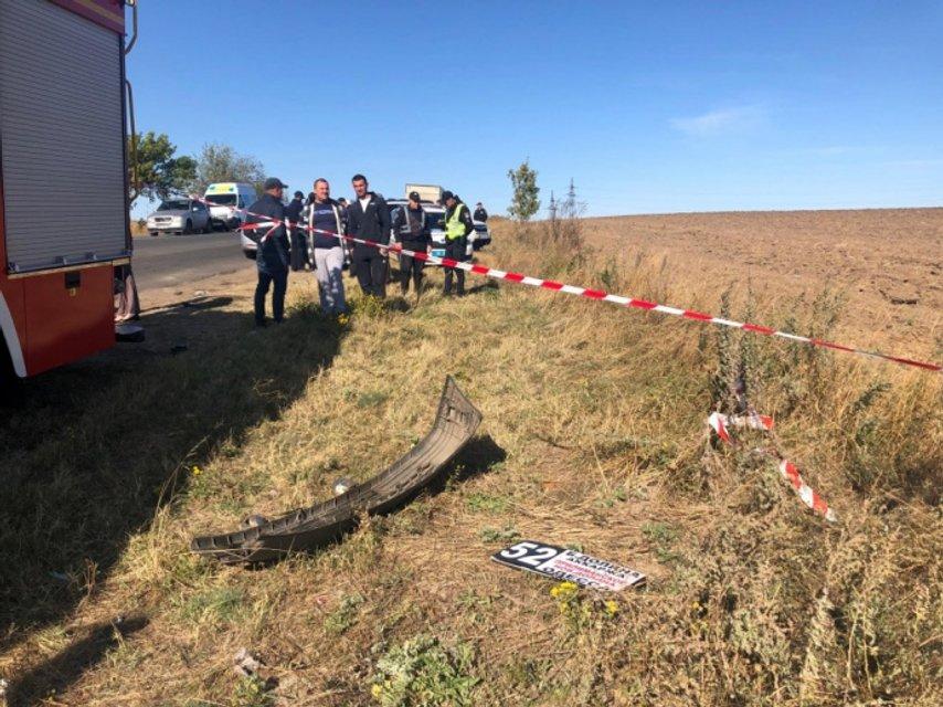 Под Одессой грузовик врезался в маршрутку, много жертв – ФОТО, ВИДЕО - фото 188195