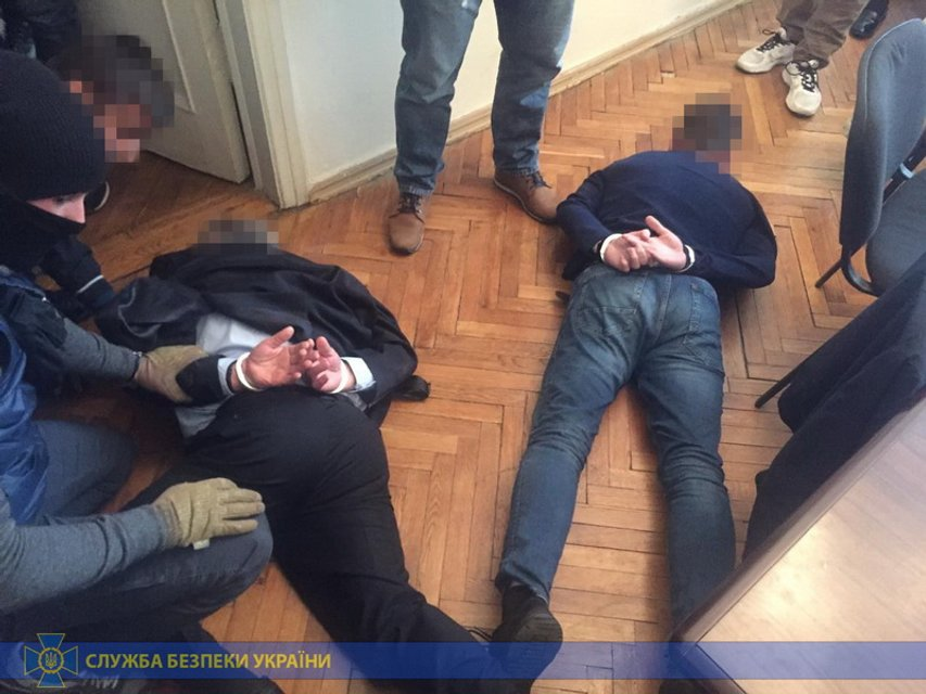 Экс-нардеп пытался рейдернуть элитный офис на Банковой - фото 188819