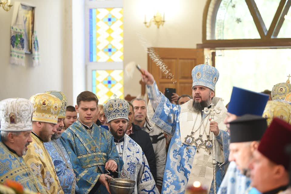 С почином: Православную Церковь Украины признали коллеги из Греции - фото 189564