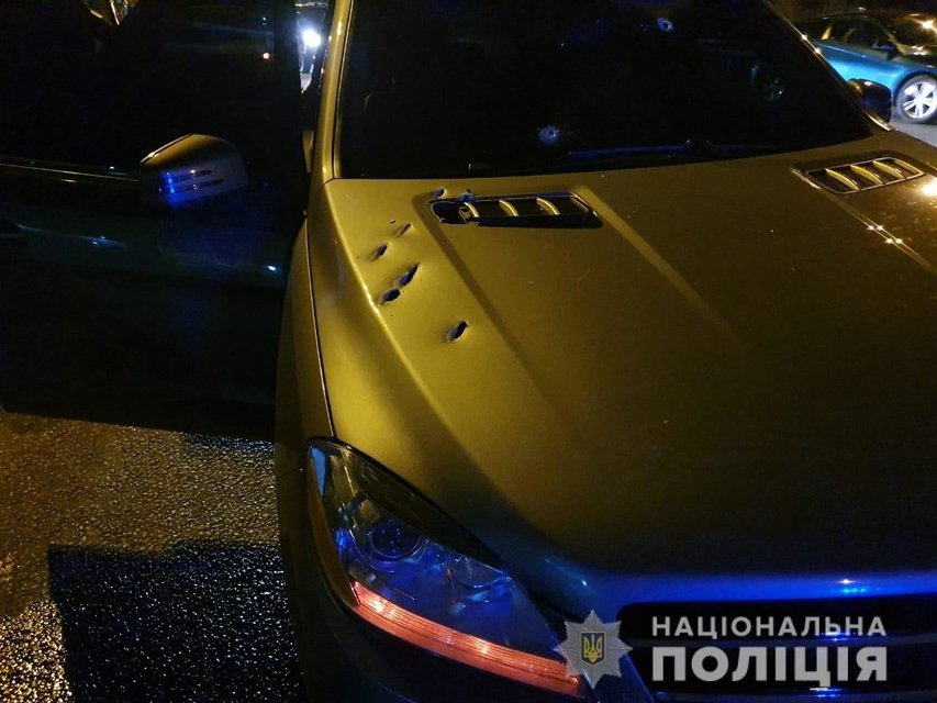 В Днепре расстреляли авто, водитель погиб  ФОТО, ВИДЕО - фото 189723