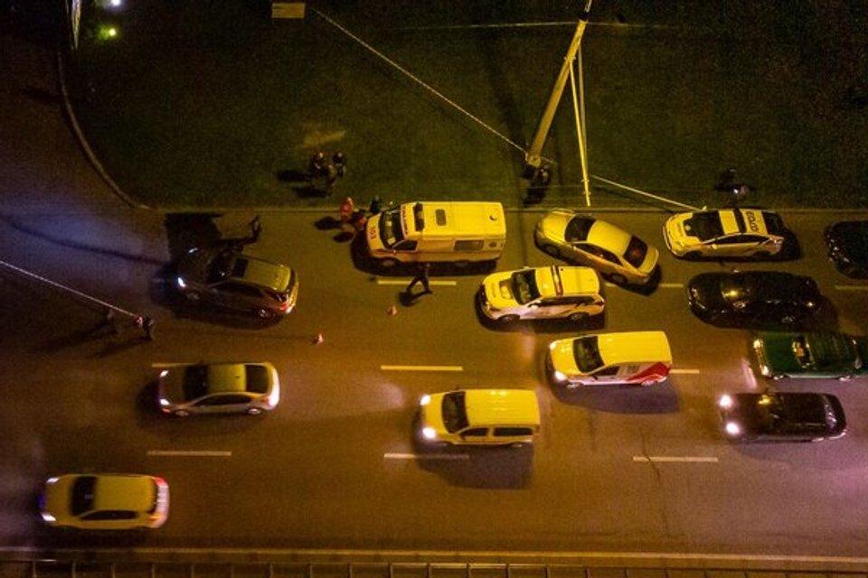 В Днепре расстреляли авто, водитель погиб  ФОТО, ВИДЕО - фото 189758