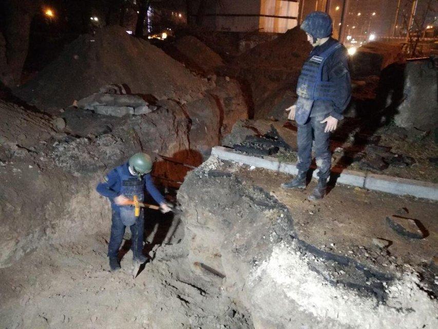 Шулявский мост мог 'отмениться': возле стройки нашли сотню снарядов ФОТО - фото 190941