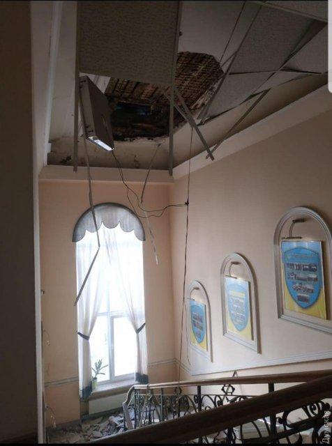 В Одесской полиции обрушился потолок, есть пострадавшие – ФОТО - фото 191039