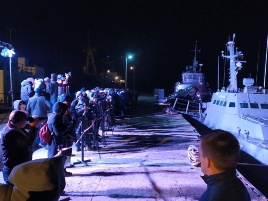 Зеленский рассказал об условиях возвращения украинских кораблей - фото 191603