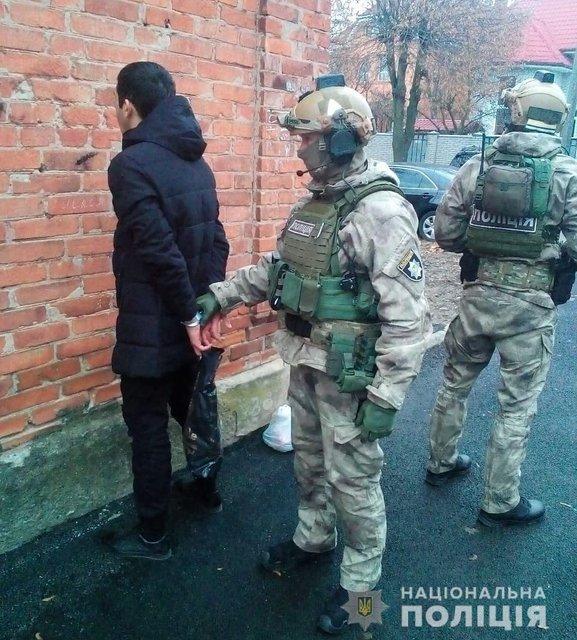 В Житомире задержали гражданина России, оказавшегося одним из лидеров ИГИЛ  (ФОТО) - фото 191642