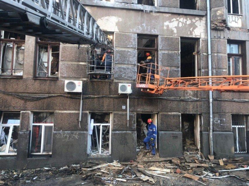 Пожар в Одессе: спасатели до сих пор не нашли 14 пропавших (ФОТО) - фото 192423