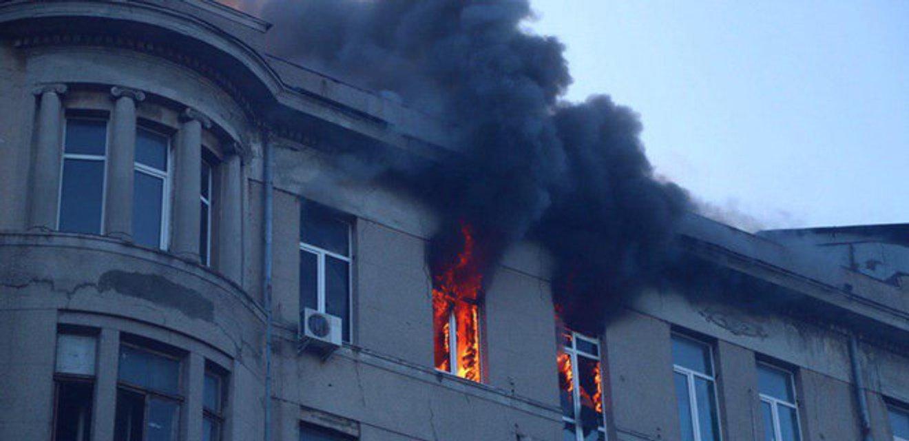 Новая одесская трагедия: Кто виноват в пожаре в колледже - фото 192500