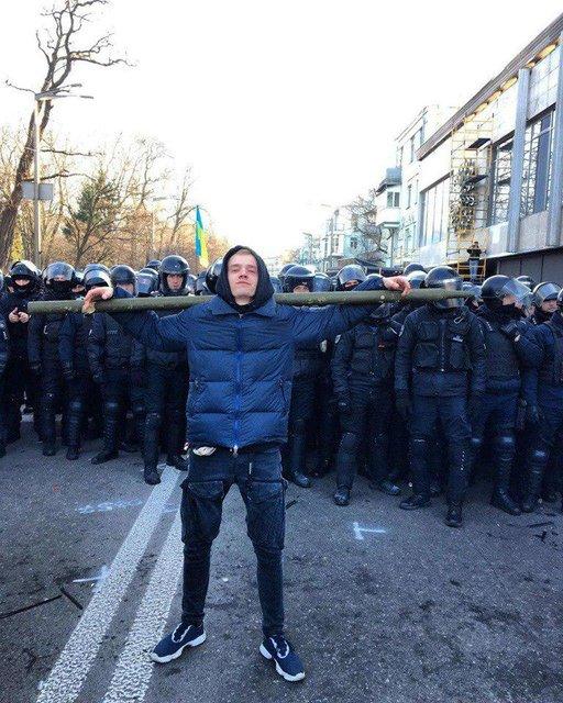 Силовики зачистили улицу Грушевского от митингующих коллег (ФОТО) - фото 192957