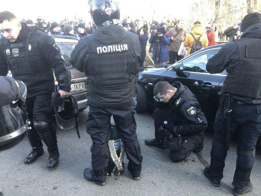 Силовики зачистили улицу Грушевского от митингующих коллег (ФОТО) - фото 192958