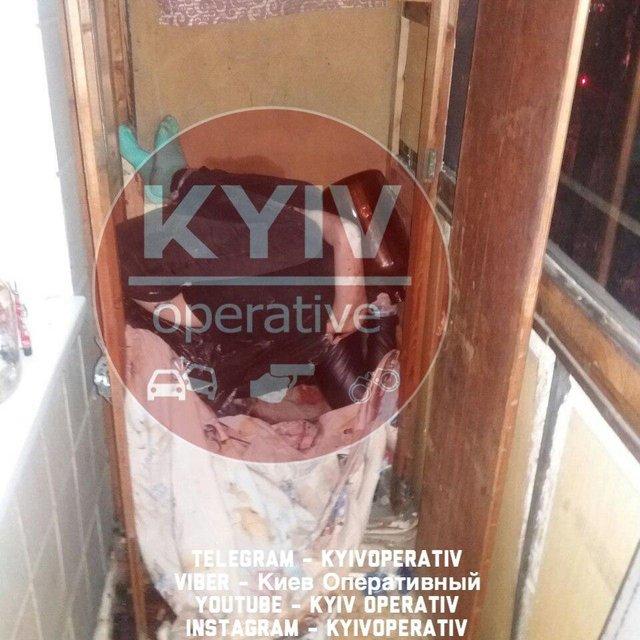 В Киеве на съемной квартире нашли трупы двух девочек-подростков (ФОТО 18+) - фото 193845