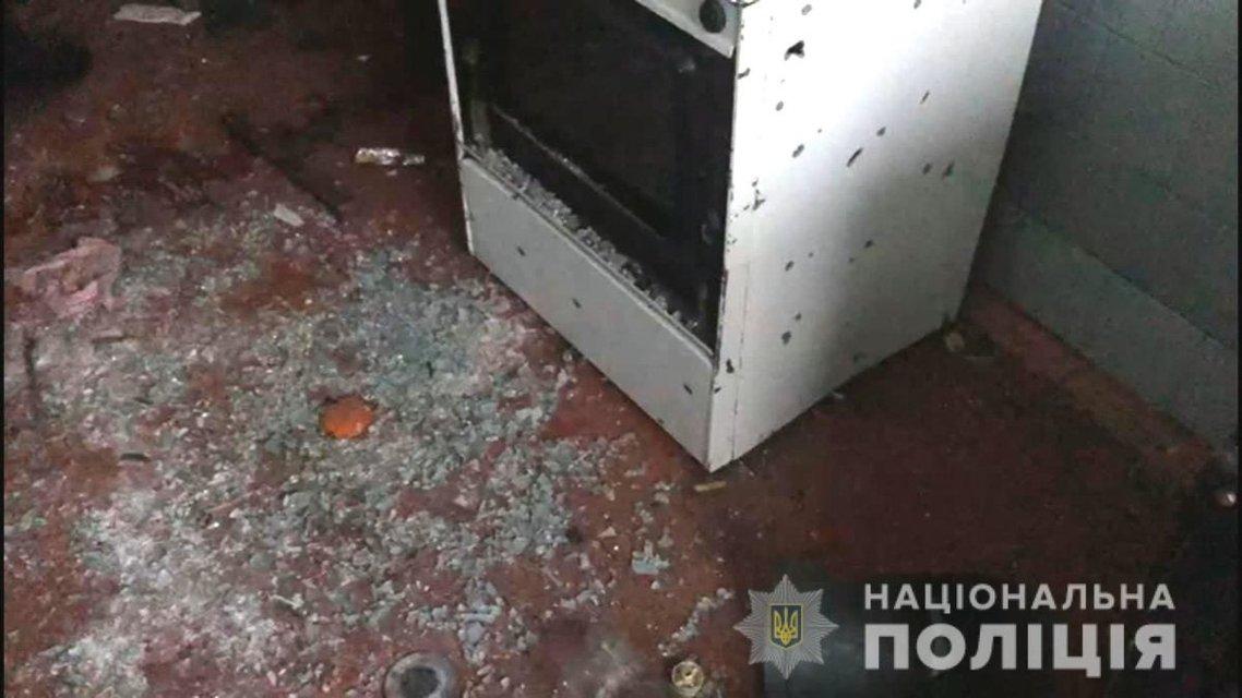 В общежитии Одессы мужчина подорвал соседей гранатой (ФОТО) - фото 193936