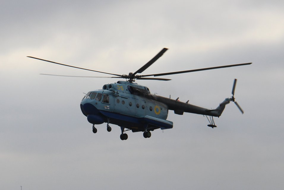 ВМС Украины отогнали русский корабль-шпион в Азовском море - ФОТО - фото 194039