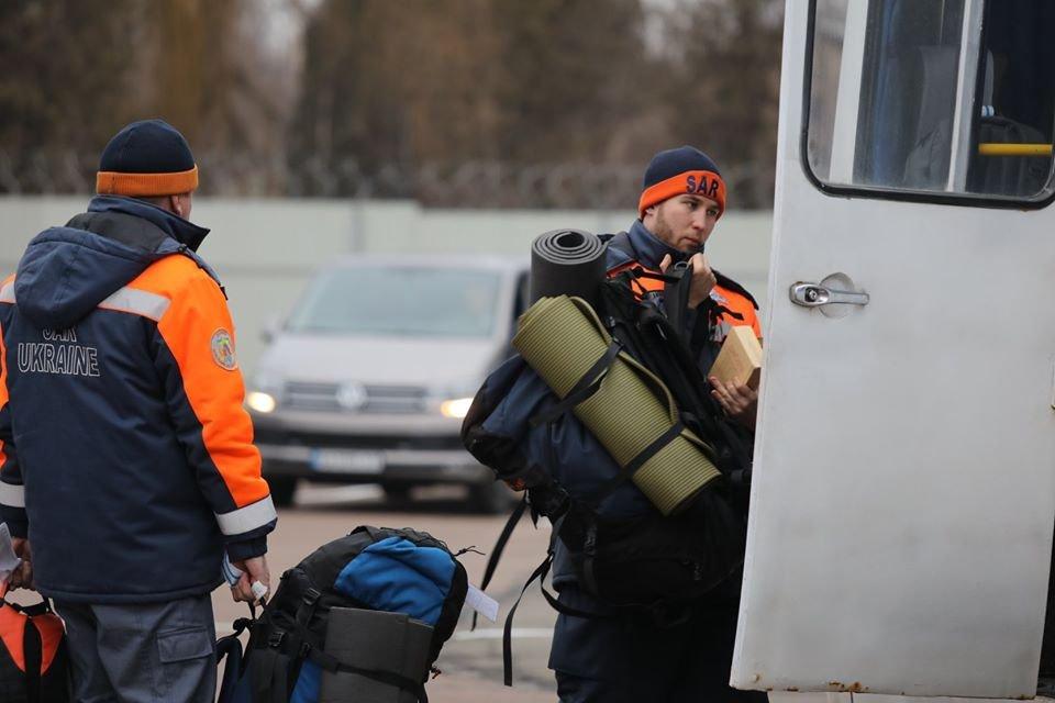 Гибель 'Боинга': Украинские спасатели вернулись на Родину - ФОТО - фото 194287