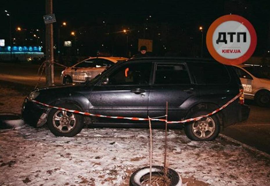 Пьяные неадекваты из Донецка устроили гонки и перестрелку с копами в Киеве (ФОТО) - фото 195444