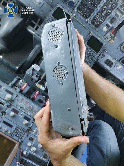 В аэропортах Одессы и Киева подделывали документы о ремонте самолетов (ФОТО) - фото 195584