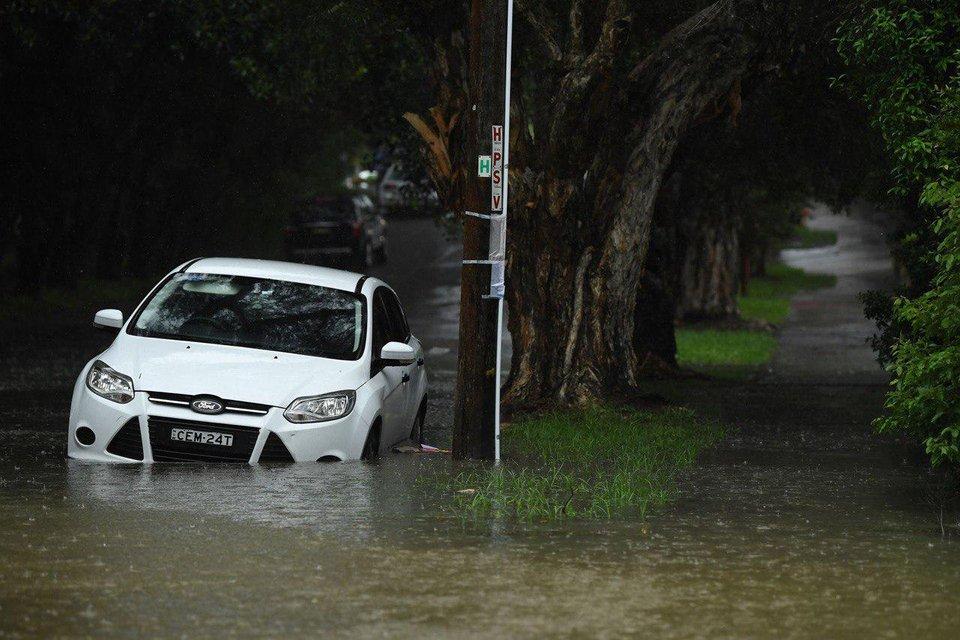 Ливни потушили пожары в Австралии - теперь там наводнение - фото 195607