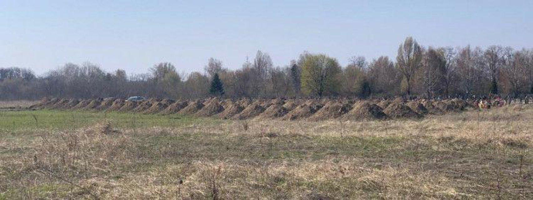 Выкопали 600 могил: Борис Филатов 'похвастался' борьбой с COVID-19 - фото 198164