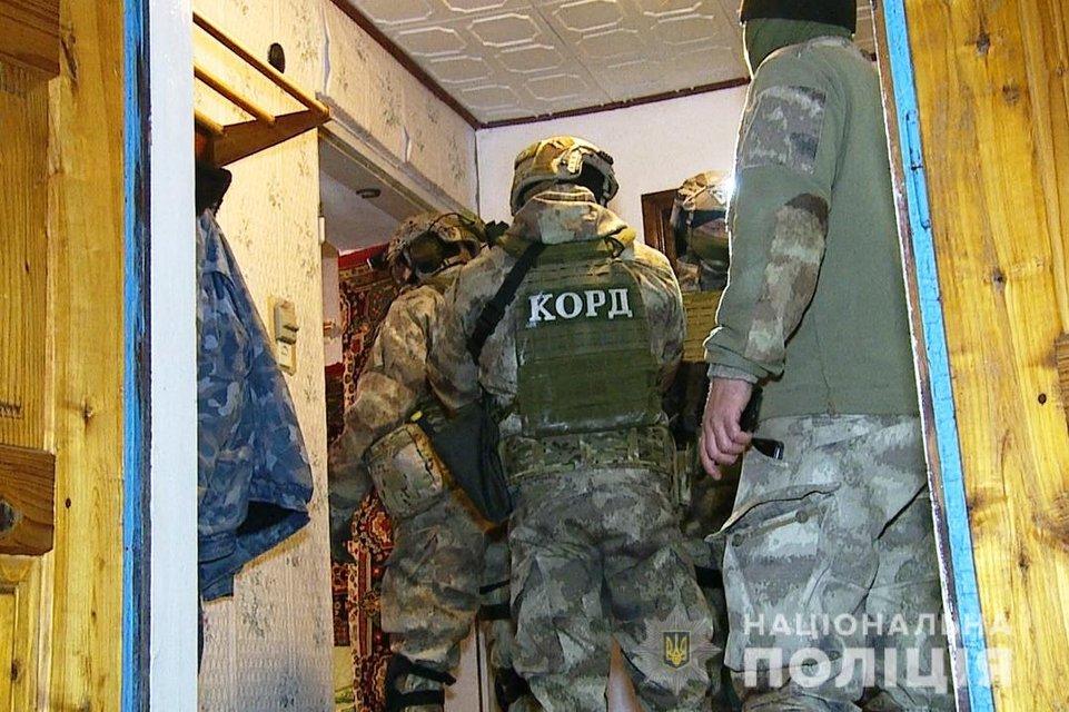 На Винничине мужчина ранил 4 спецназовцев КОРД  - ФОТО - фото 198342